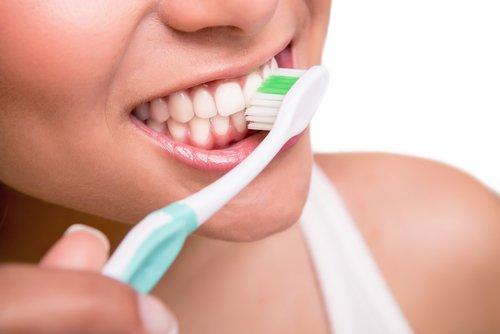 cepillar-los-dientes